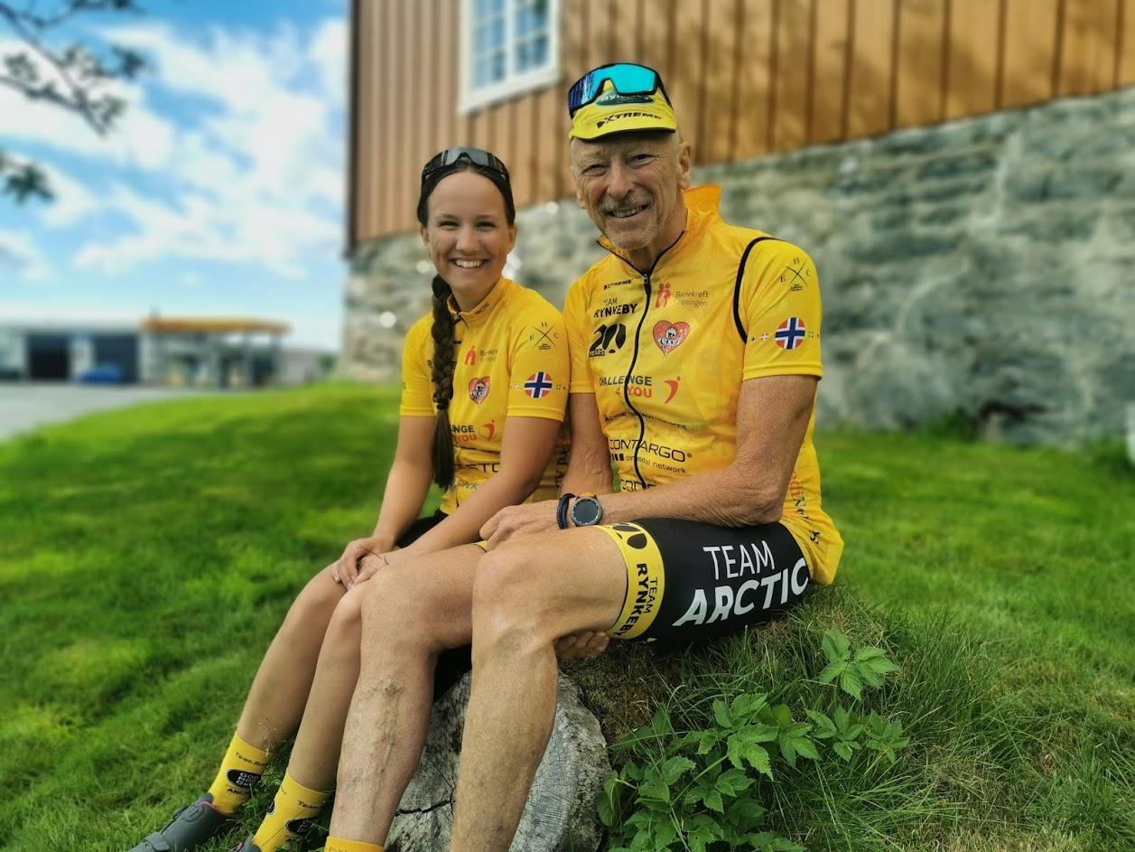 Yngste og eldste deltager på teamet, Kristine Sofie Abelsen (23) fra Kabelvåg og Sverre Dalhaug (71) fra Narvik.