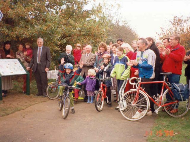 Unveiling Werrington Board Nov 98