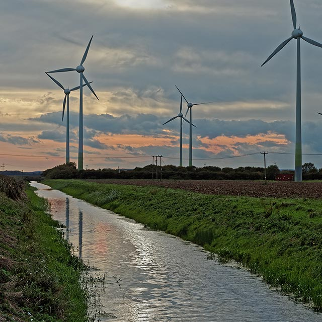 Lincolnshire drain and wind turbine