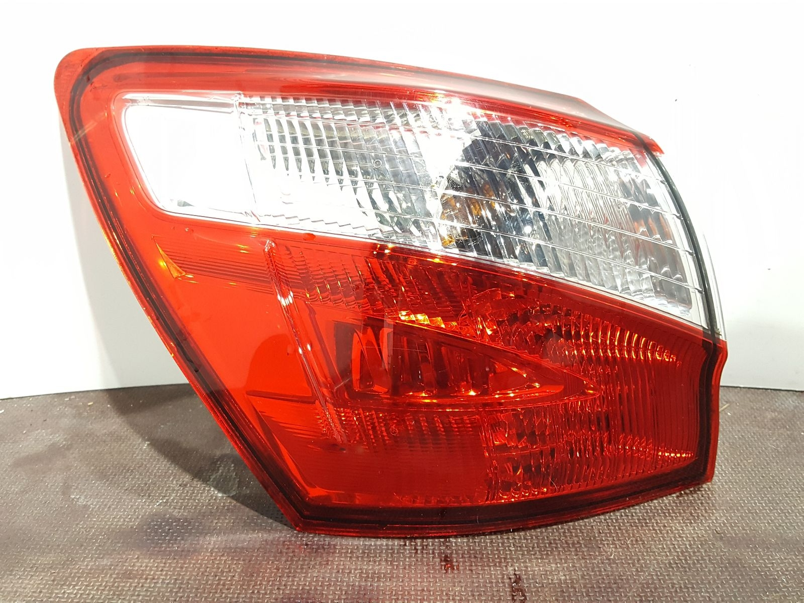 Nissan Qashqai 2010 To 2013 N/S Left Passengers Rear Light