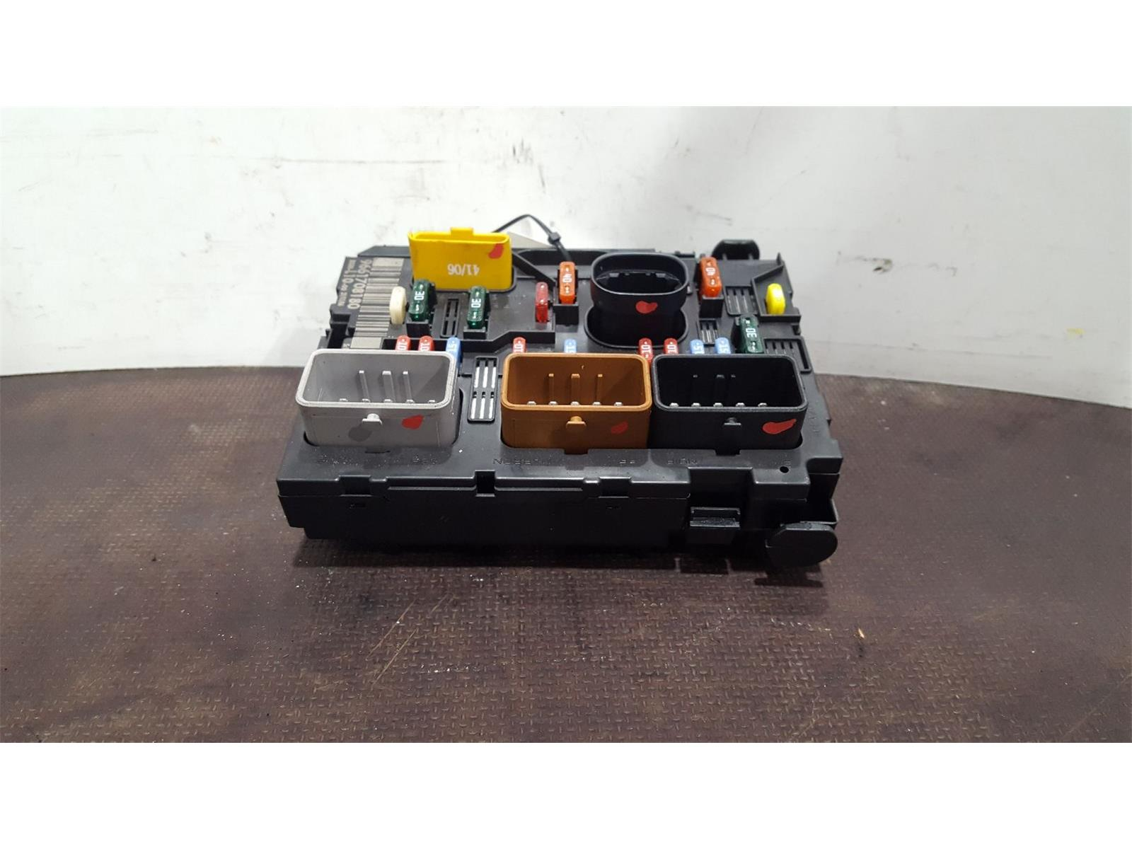 Peugeot 207 2006 To 2009 S HDi Fuse and Relay Box 1 used and spare parts at  Combellack Vehicle Recyclers