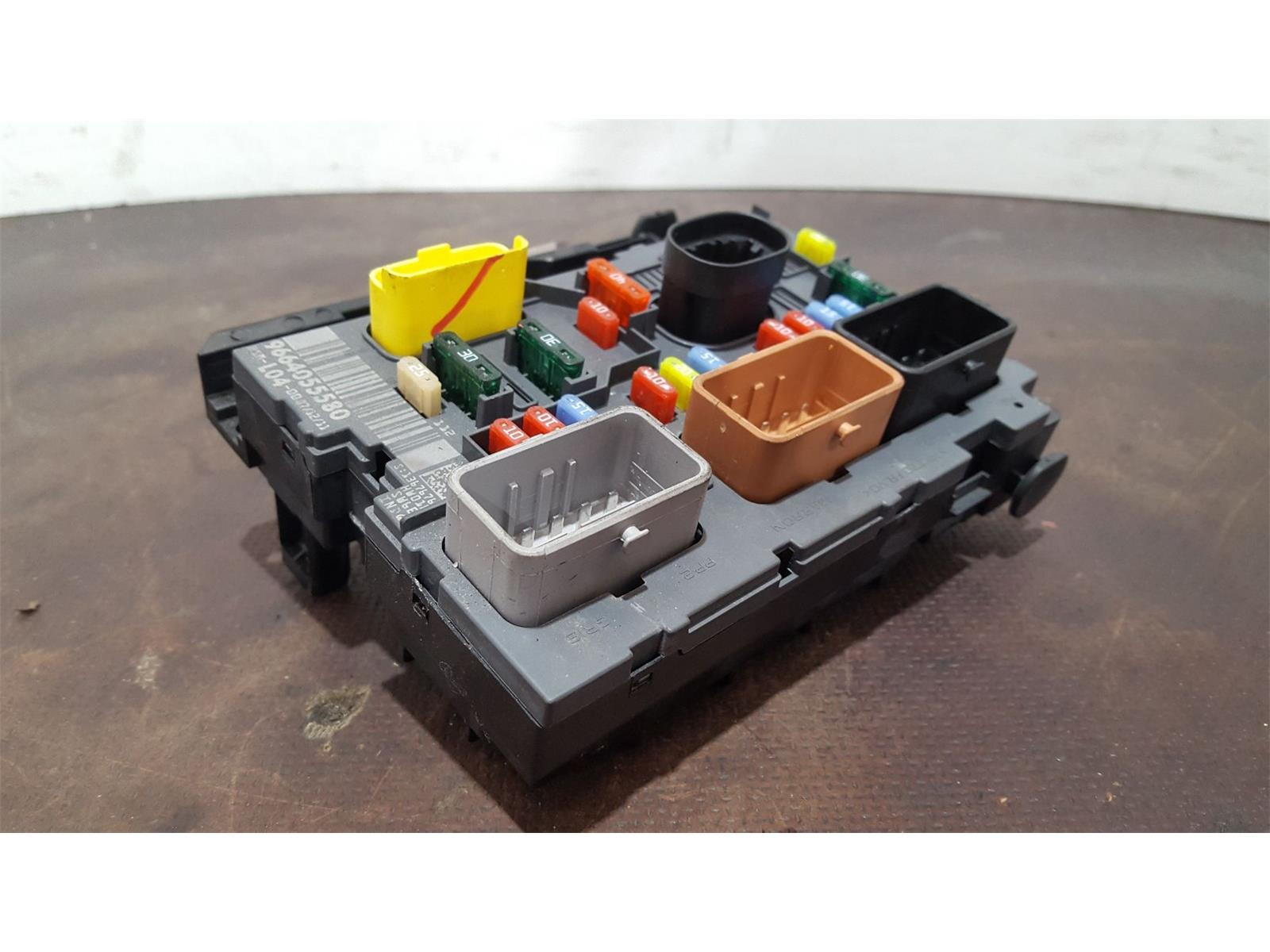 Peugeot 207 2006 To 2009 Gti Fuse And Relay Box 1 Used Spare Headlight Bsi Bmi Bcm Body Control Unit 9664055580
