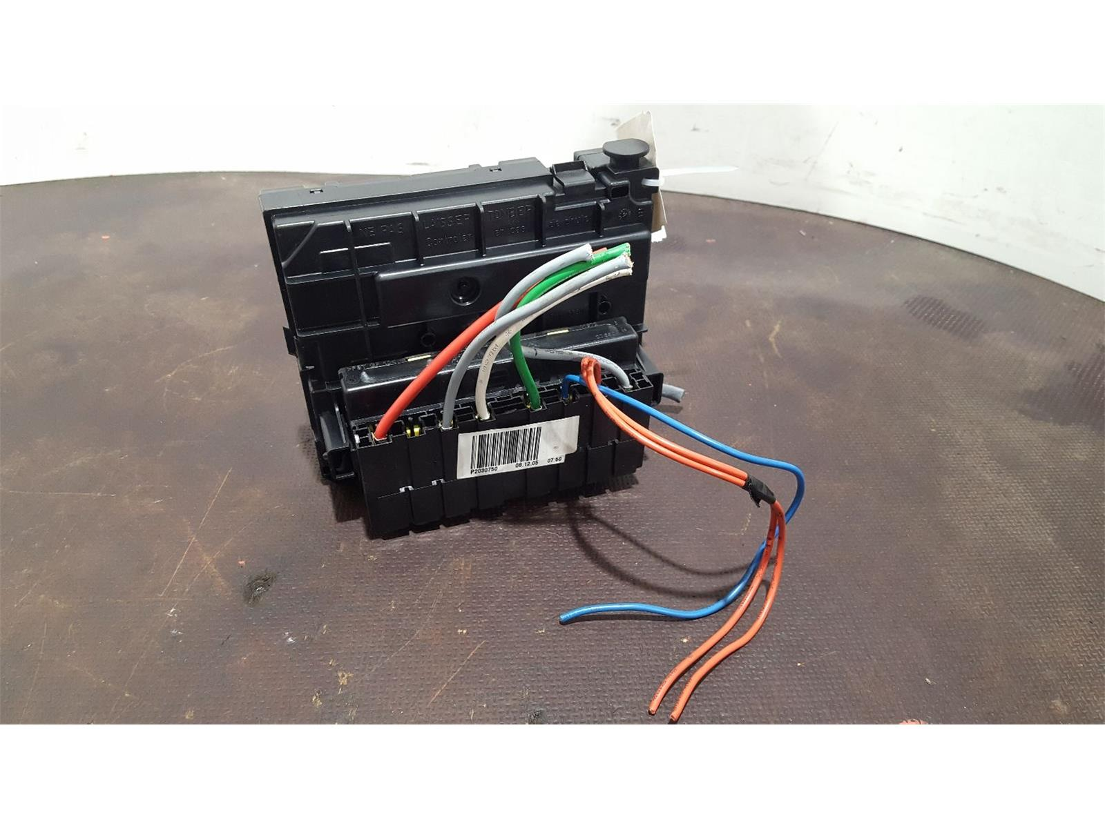 Peugeot 307 2005 To 2008 S Fuse And Relay Box 1 Used Spare Parts Location Hatchback At Combellack Vehicle Recyclers