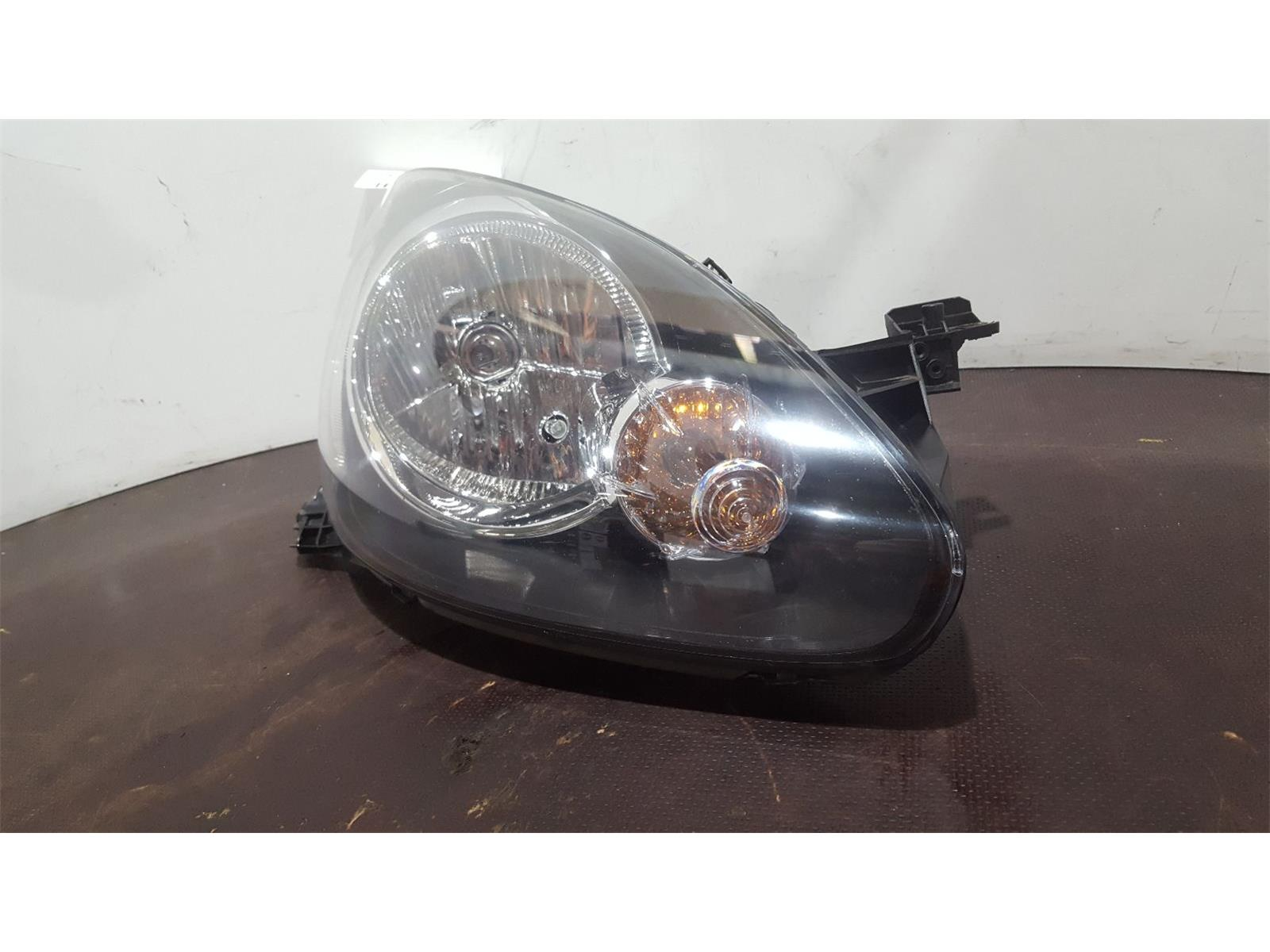 Toyota Aygo 2012 To 2014 O/S Right Drivers Side Headlamp Headlight 811300H011