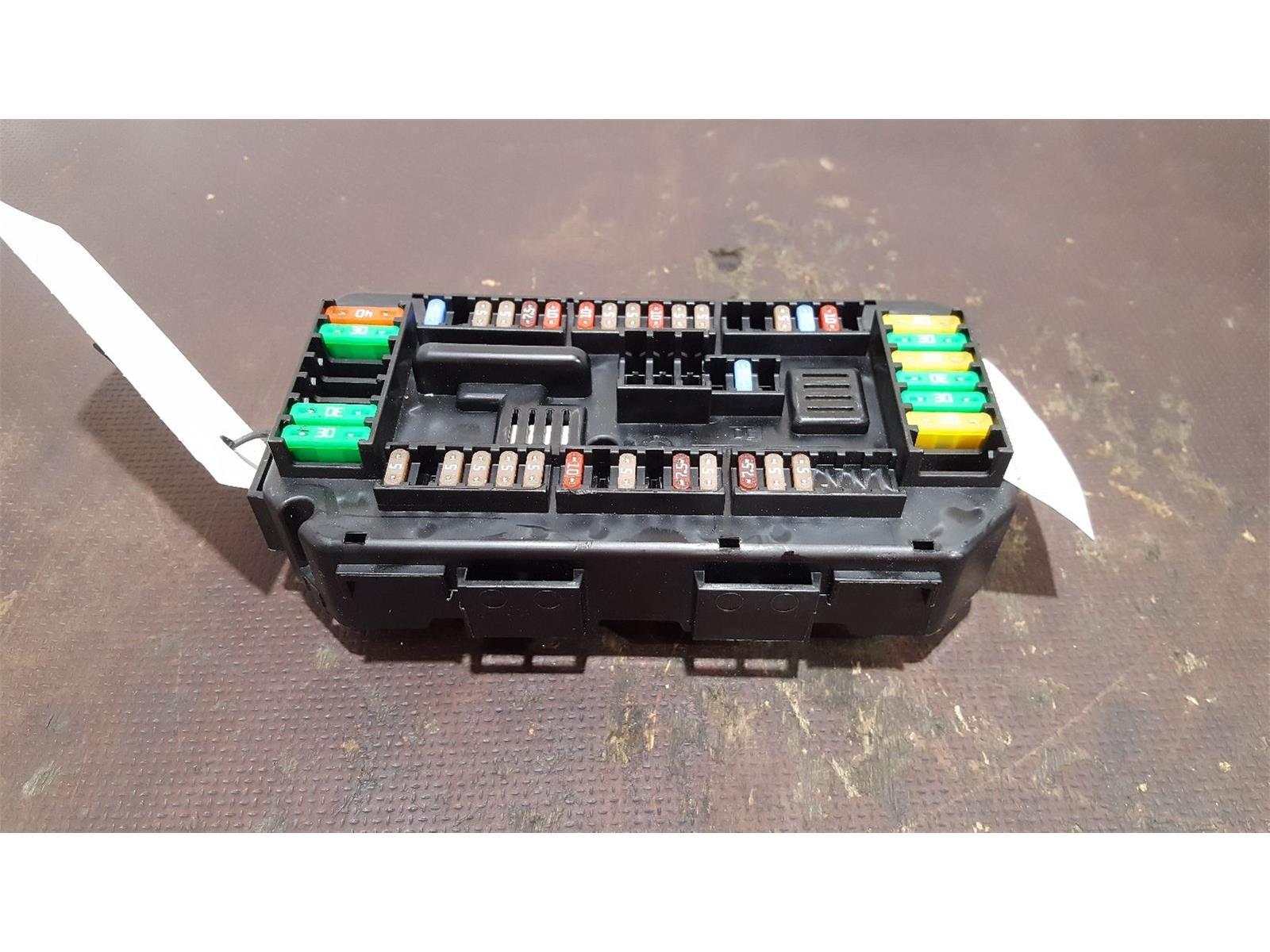 bmw 4 series m4 f82 f83 2017 on fuse box 19549000001 9389068 01