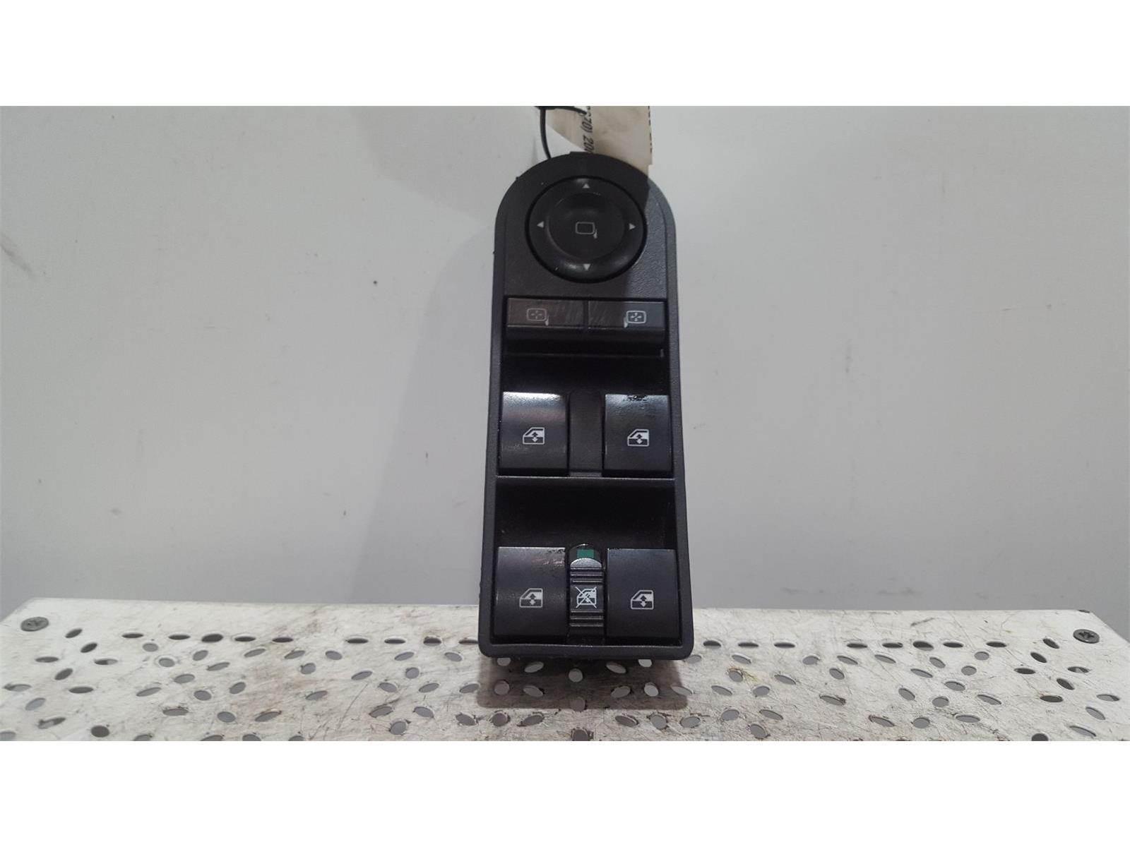 VAUXHALL ZAFIRA MK2 (B) (A3370) 2005 TO 2014 - Window Switches / Control Panel