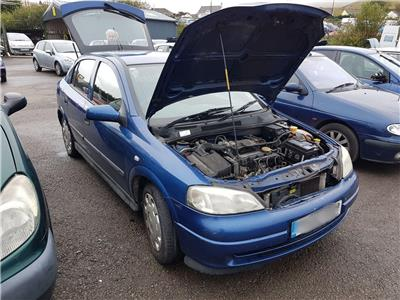 2002 Vauxhall Astra 1998 To 2004 Club 5 Door Hatchback