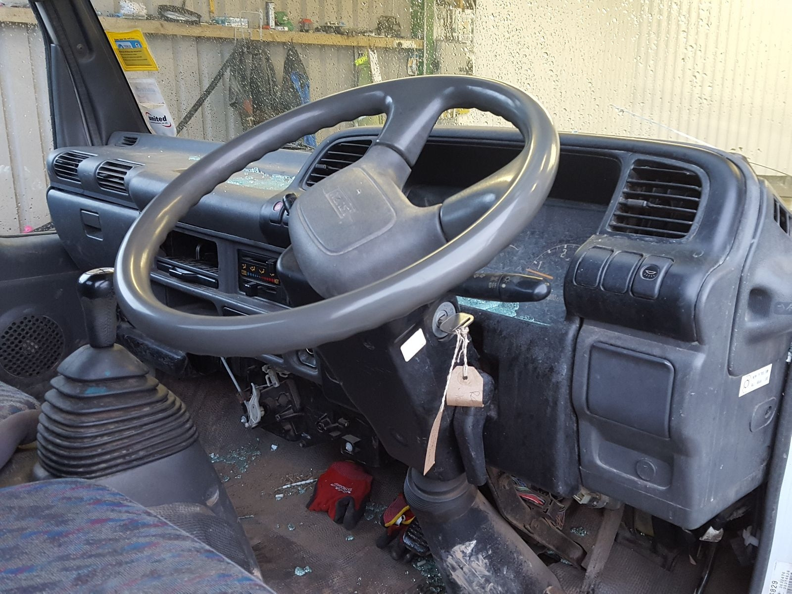 Isuzu NKR-T 2001 On Chassis Cab - Breaking Vehicles at Combellack