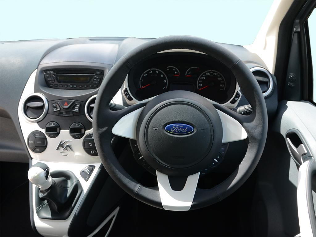 Ford Ka Hatchback   Zetec White Edition Dr Vehicle