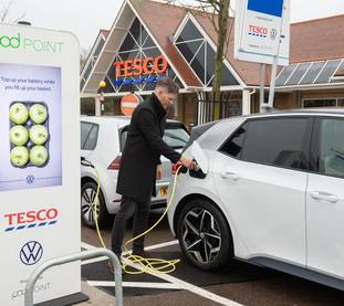 Square vw id.3 charging up at the potters bar tesco store 1000px