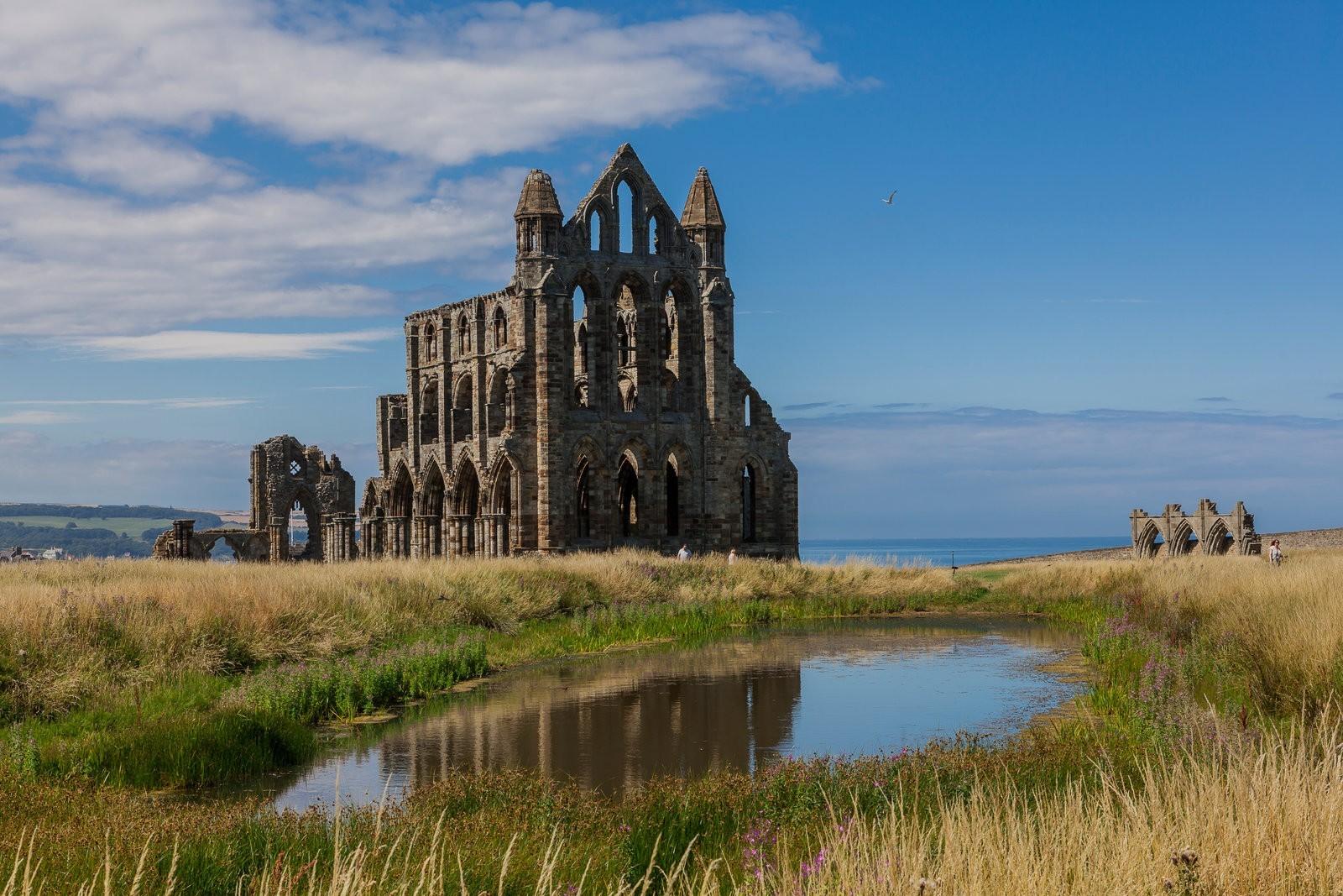 English heritage abbey