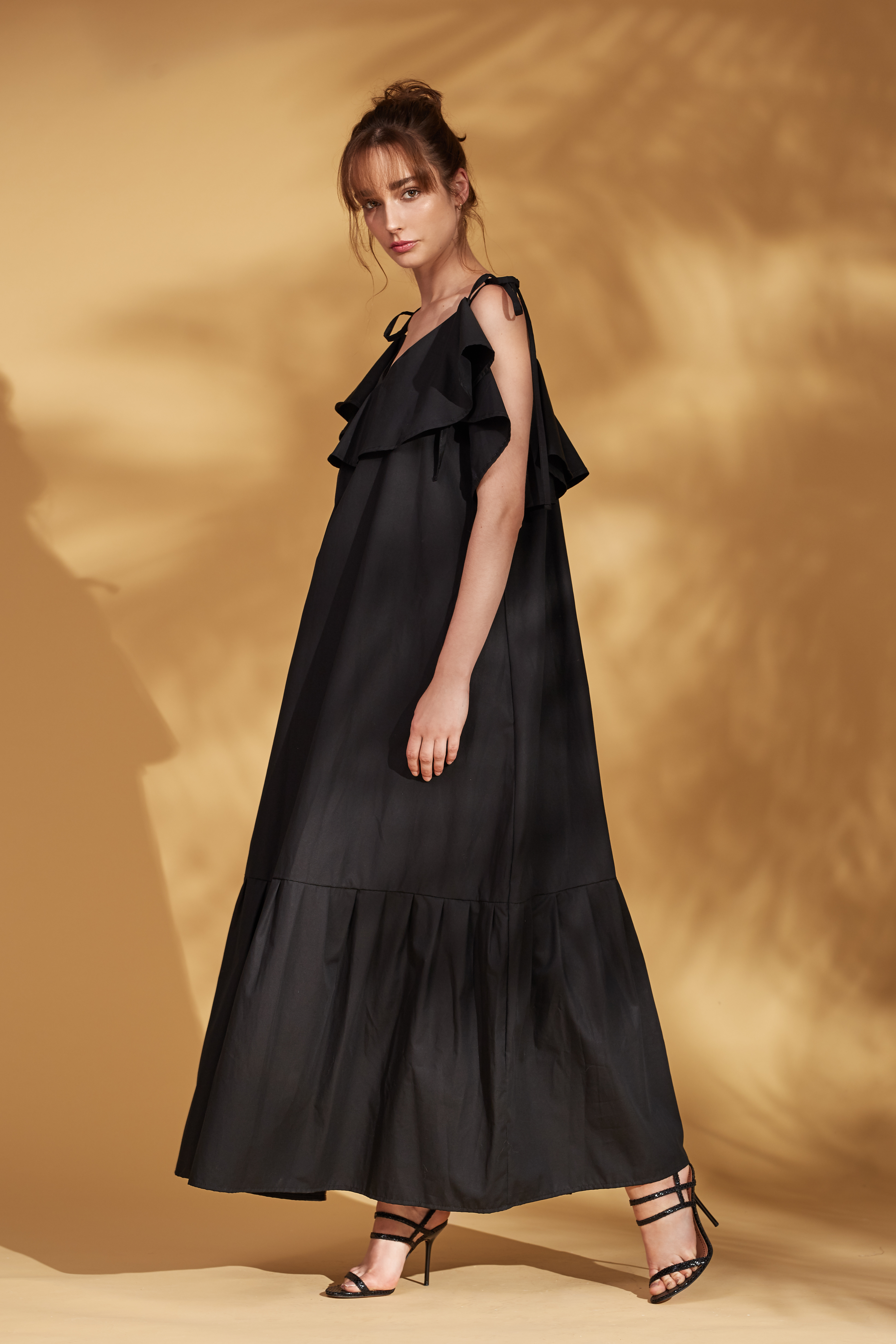 Stella dress by Monica Nera on curated-crowd.com