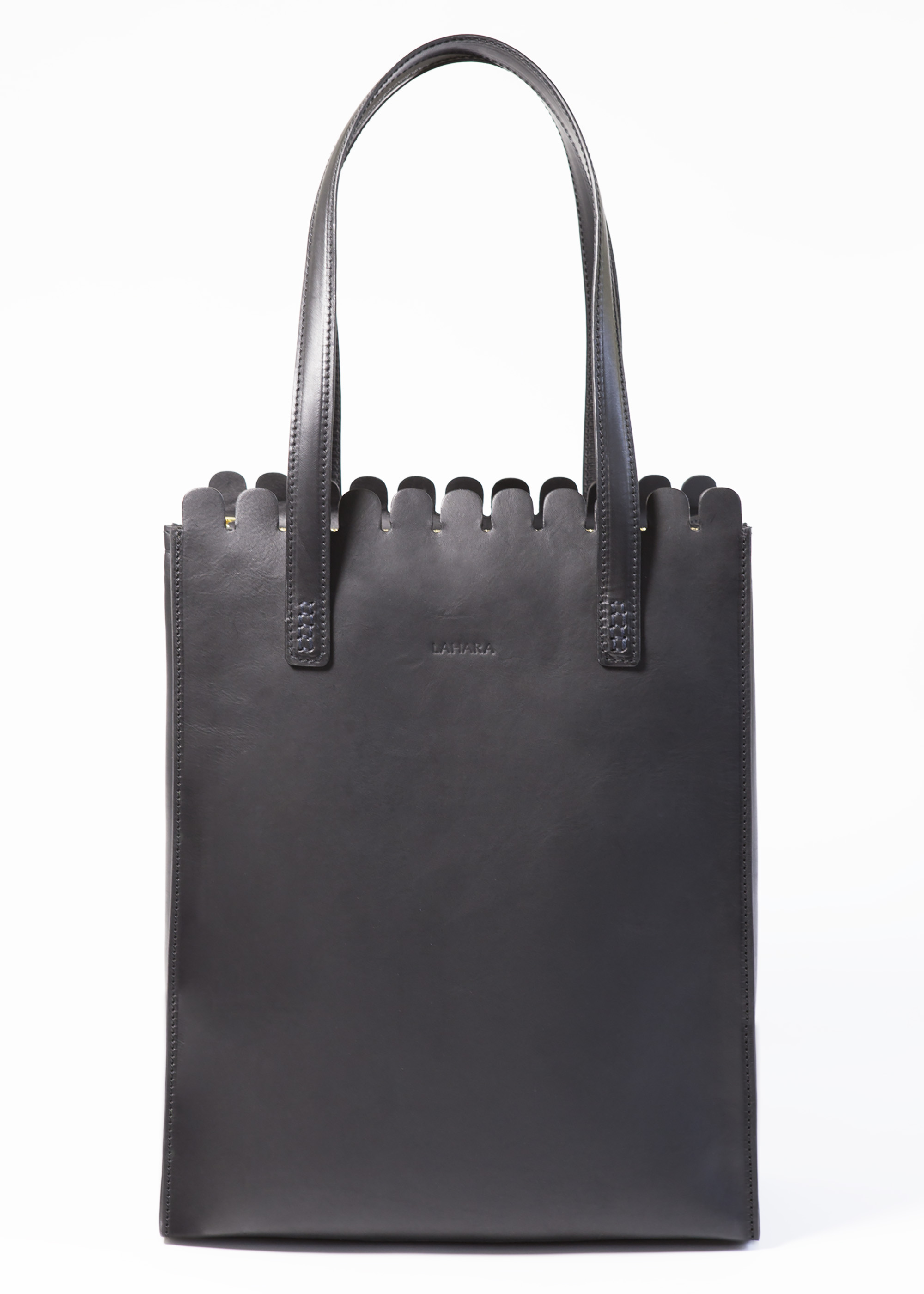 Sorrento Tote Nero by LAHARA on curated-crowd.com