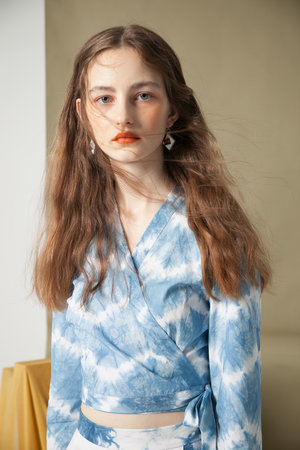 'Hand' | Tie-Dye Blue Top by YUNZO on curated-crowd.com