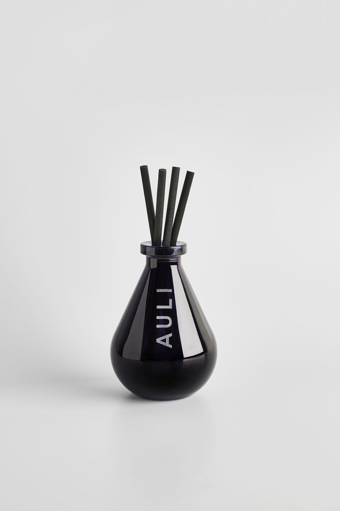C-34/2 | REED DIFFUSER by  on curated-crowd.com