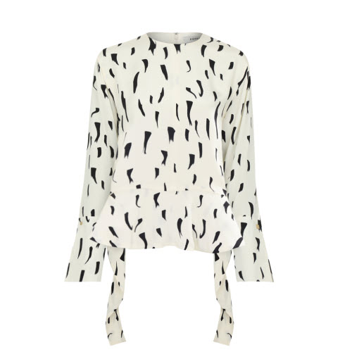 Sydney Blouse by Podeny on curated-crowd.com