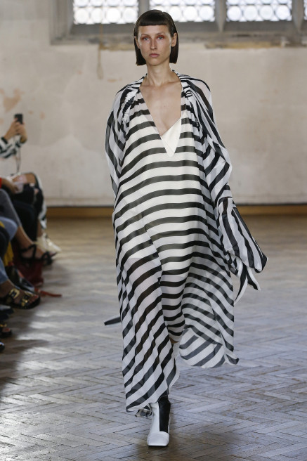 Volume Dress by Sharon Wauchob on curated-crowd.com