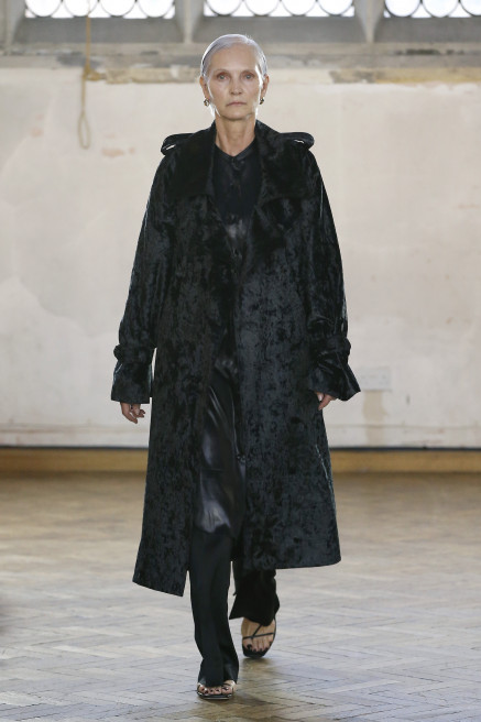 Velvet Trench Coat by Sharon Wauchob on curated-crowd.com
