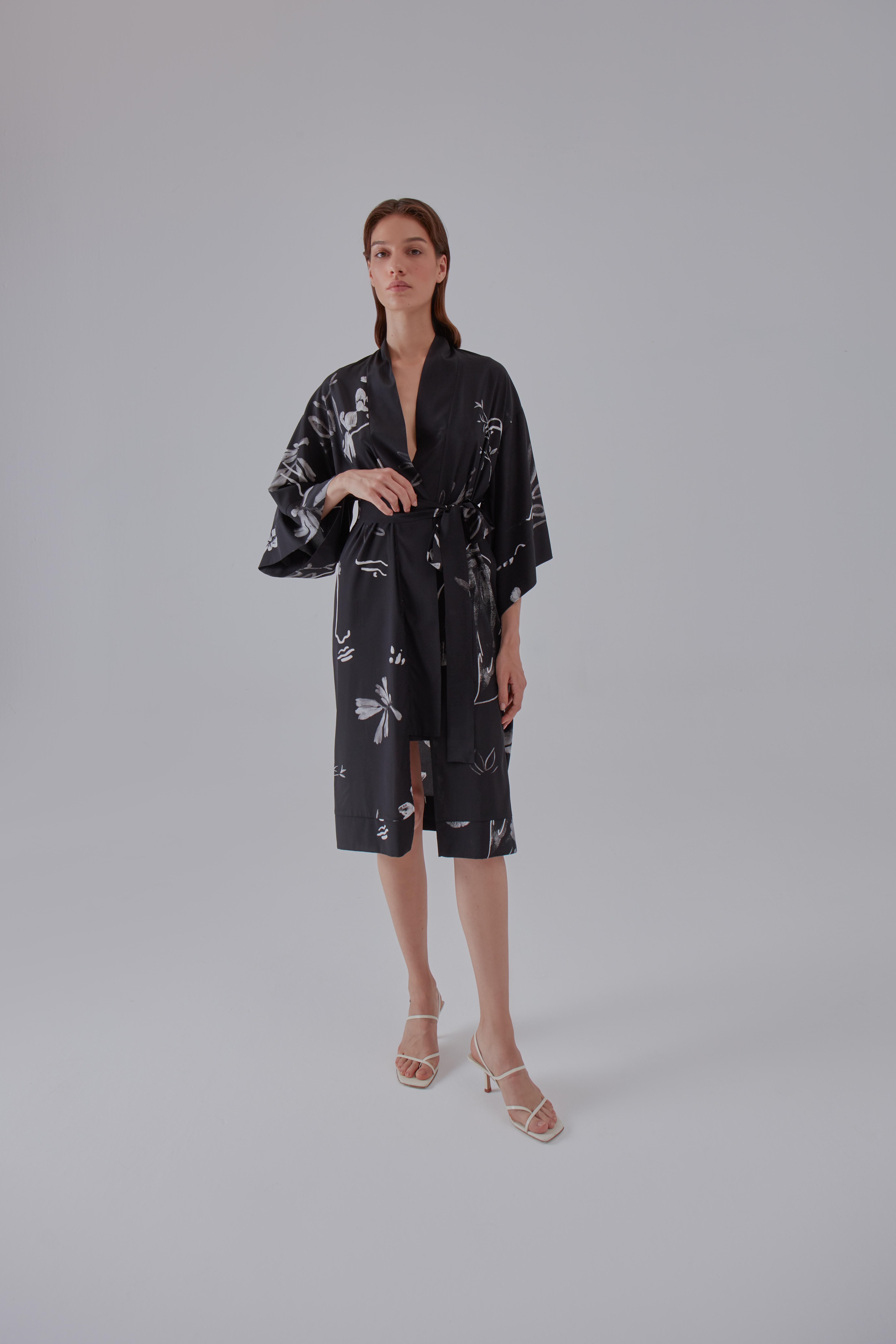Yoko Kimono - Black by Laika on curated-crowd.com