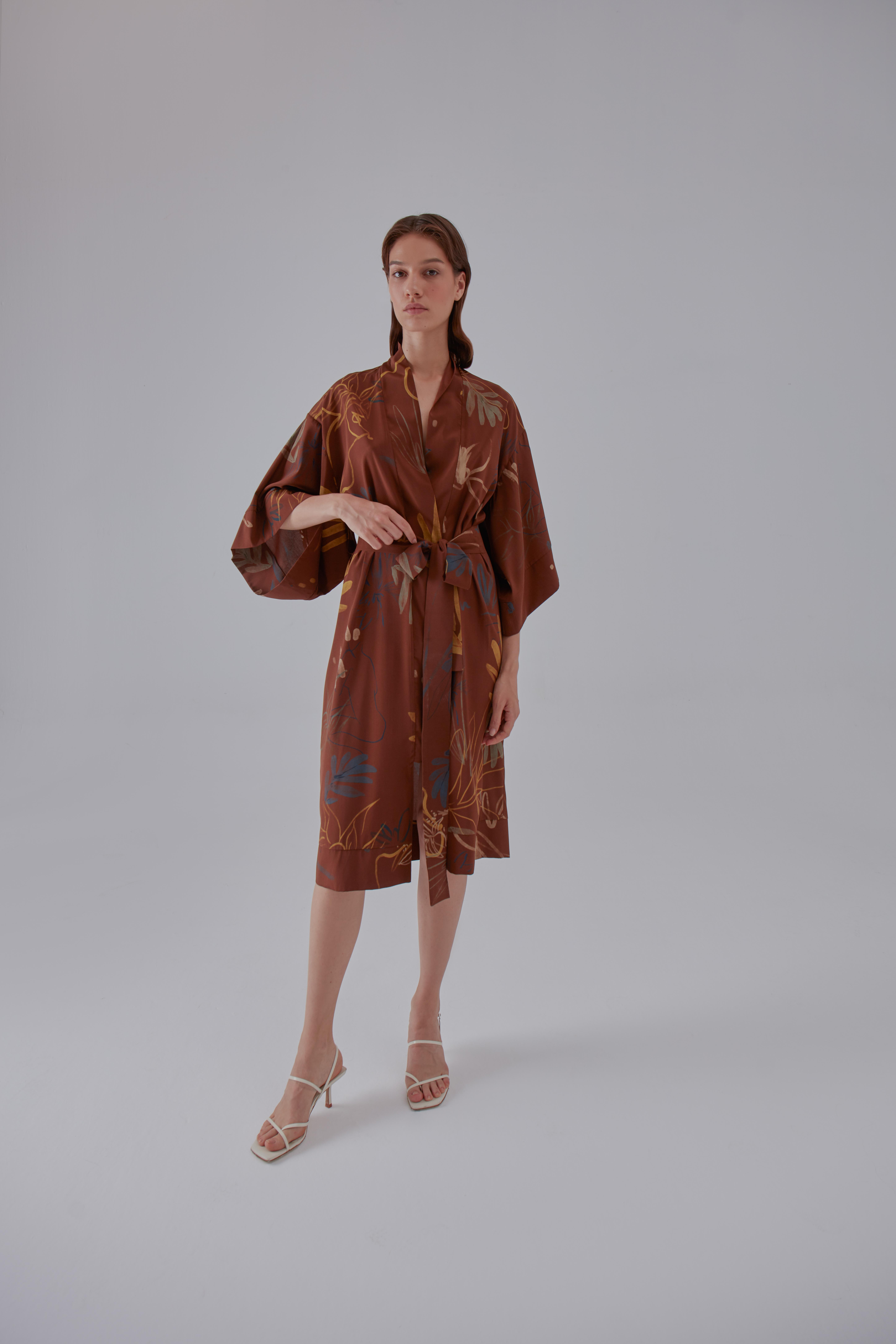 Yoko Kimono - Brown by Laika on curated-crowd.com