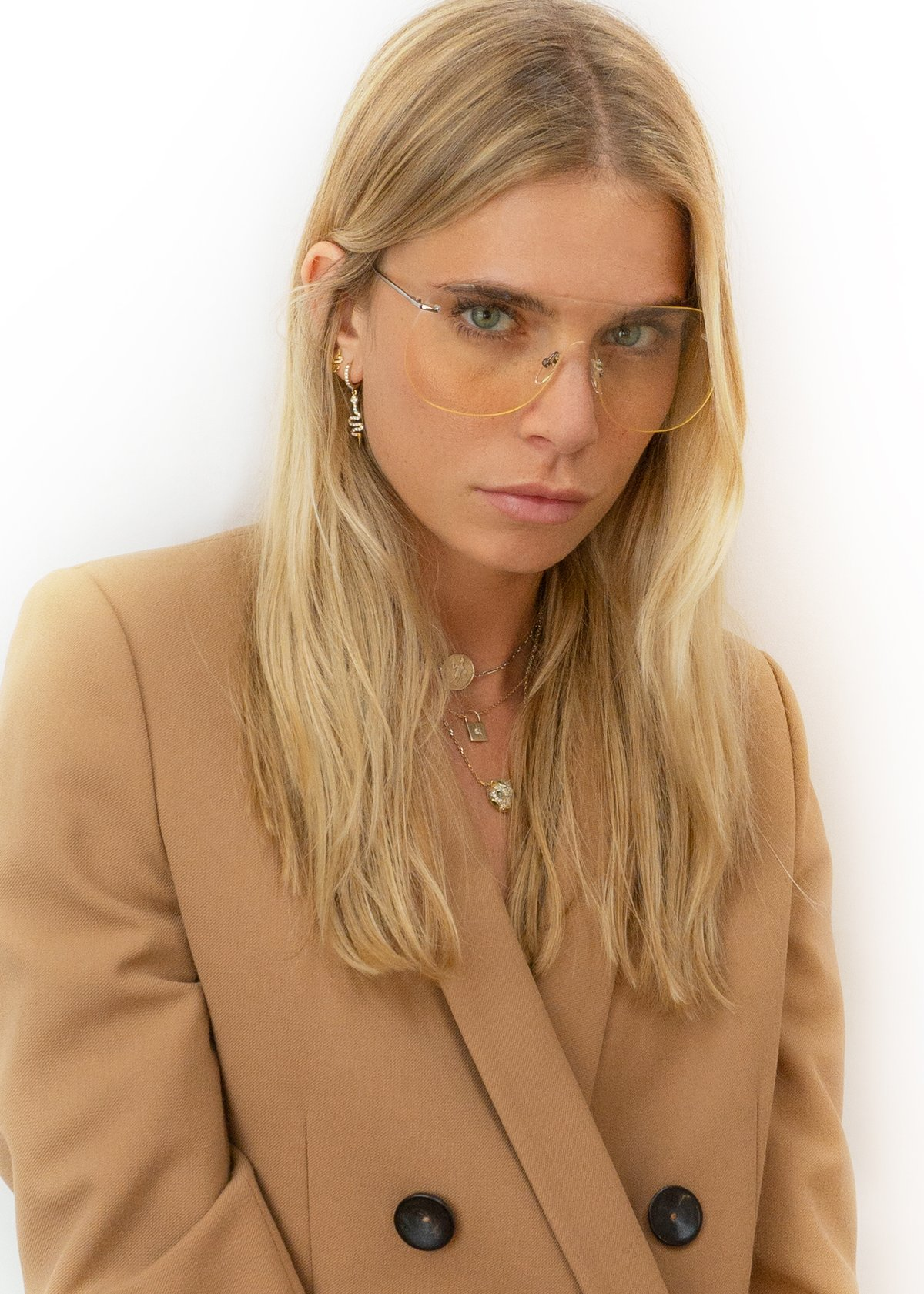 SW1W D-Frame Mask | Beige by Sienna Alexander on curated-crowd.com