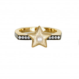 Pearl Star Ring by AMMANII on curated-crowd.com