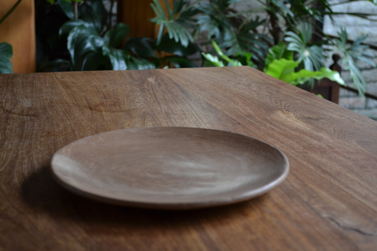 Set of 2 Beeswax Dinner Plates by La Muerte Tiene Permiso on curated-crowd.com
