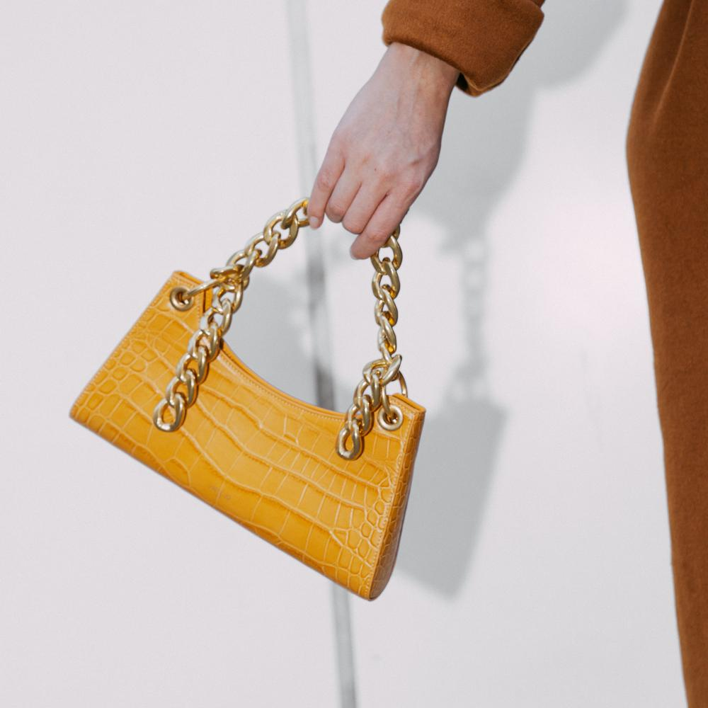 Gold Metal Chain by APEDE MOD on curated-crowd.com