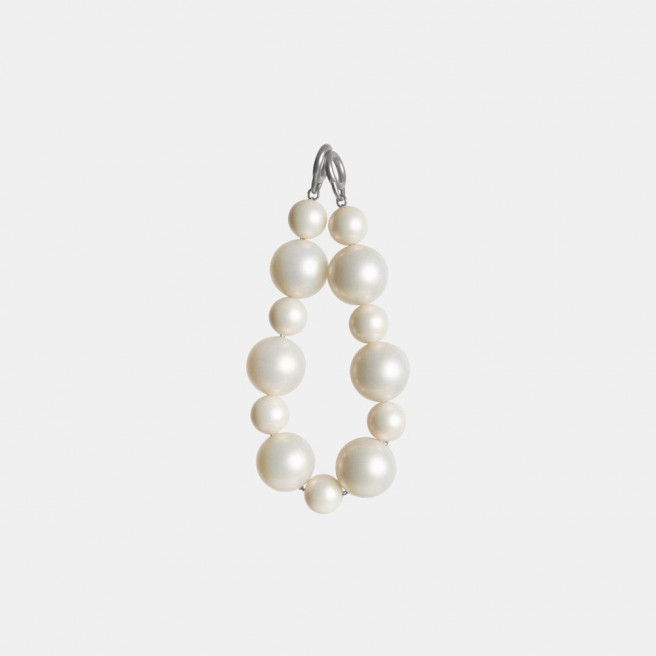 Silver Pearl Chain by APEDE MOD on curated-crowd.com