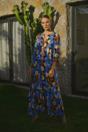 Aava Kaftan by Van Dalsky on curated-crowd.com