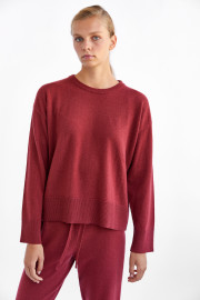 Oversized Sierra Cashmere Sweater by Labeca London on curated-crowd.com