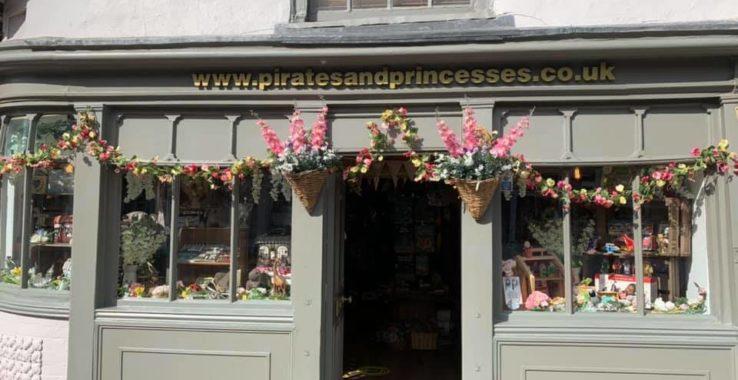 Pirates and Princesses Shopping