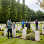 Commonwealth War Graves -...