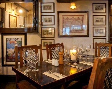 William & Victoria Restaurant