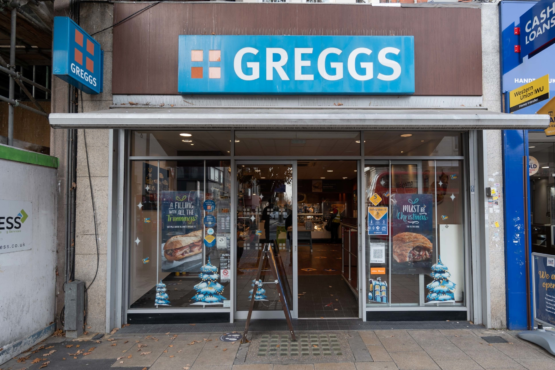 Greggs (High Rd)