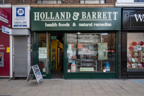 Holland and Barrett (High Road)