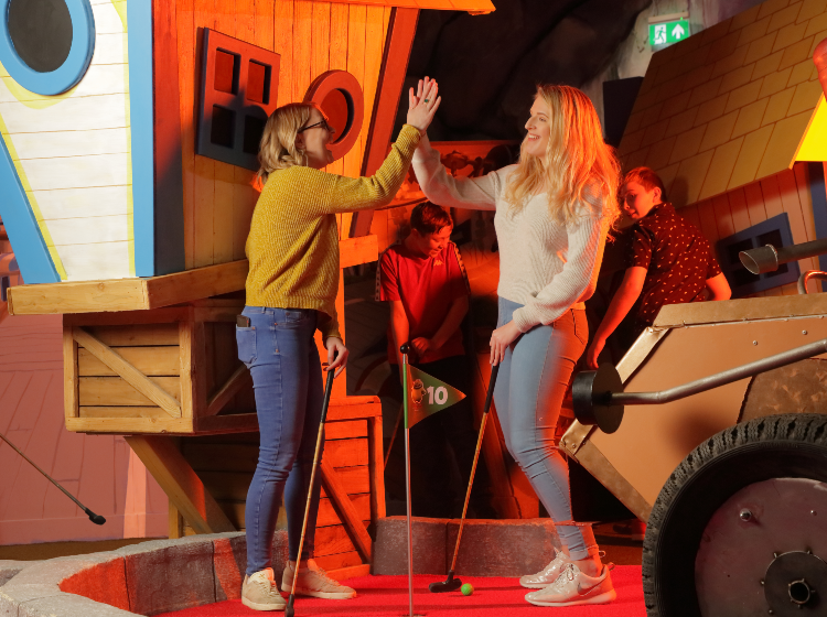 £4.95 per round of Golf at Angry Birds - Student Discount