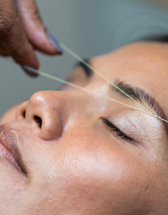 Beauty salon brow threading 750x560