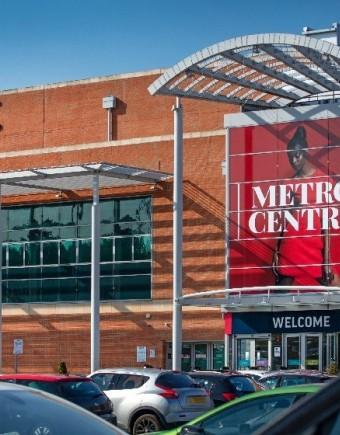 Red external sign 750x560