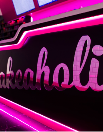 Shakeaholic banner 750x560 px