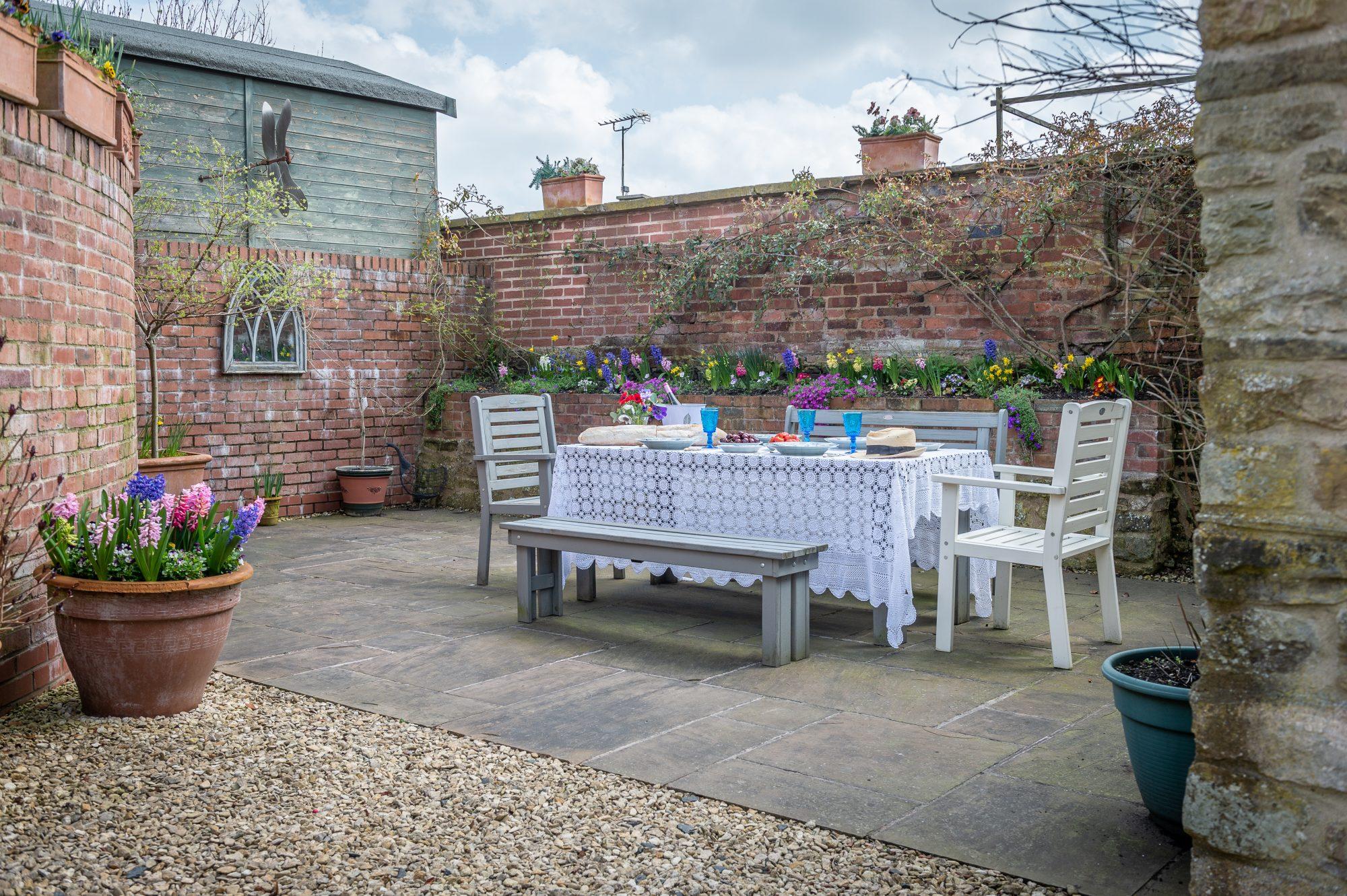 outside-table2