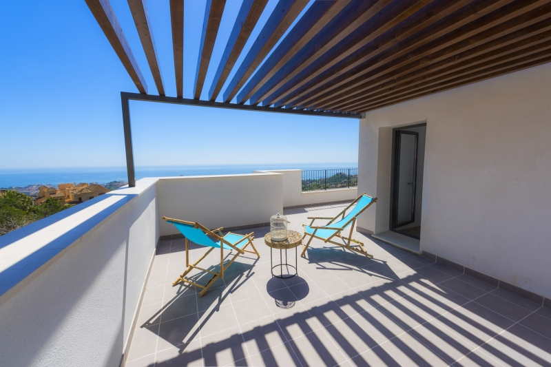 Exclusive apartments in Benalmadena Costa with wonderful sea views