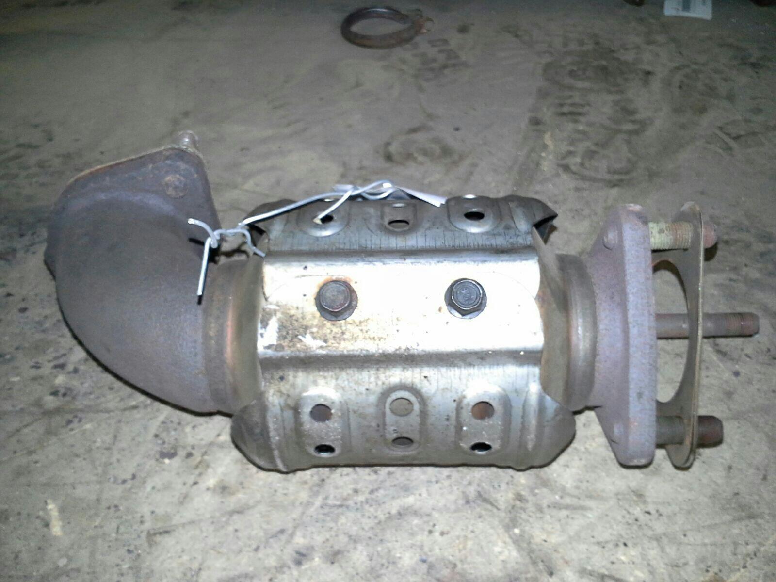 Kia Sedona 2007 To 2009 Exhaust Catalytic Converter Diesel Manual Fuel Filter Gs 29 Cat Warranty 1035704