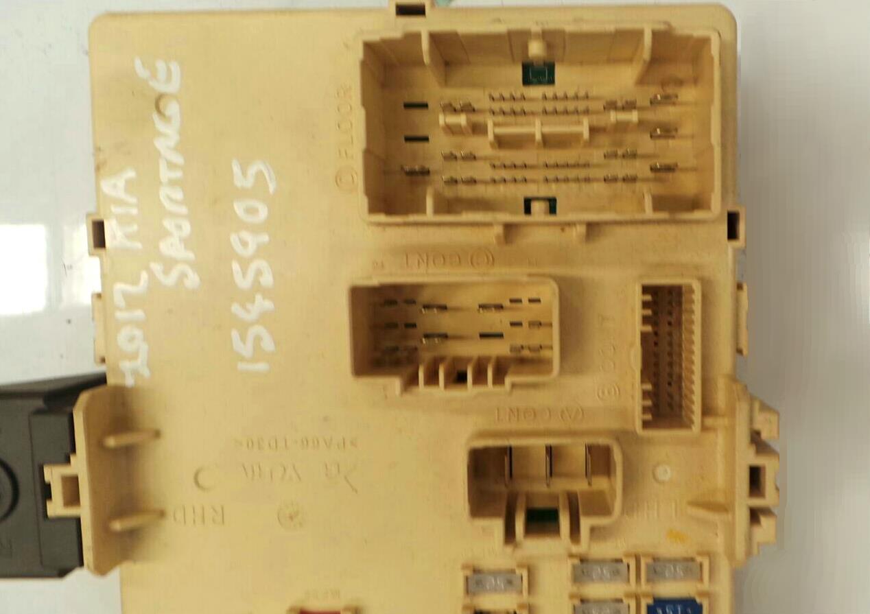 ... FUSE BOX Kia Sportage 2010 - 13 Diesel Automatic Fuse Box - 5069404 ...