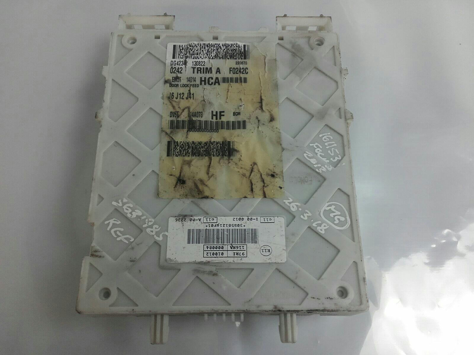 ford focus 2011 / 2014 - fuse box / relay board & warranty - 7322991