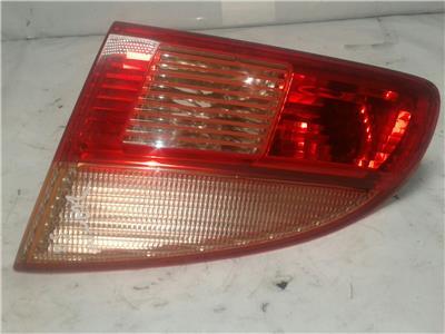 2001 Toyota Avensis Estate - OSR / DRIVERS Rear Boot Lid Light / Lamp - 5174693