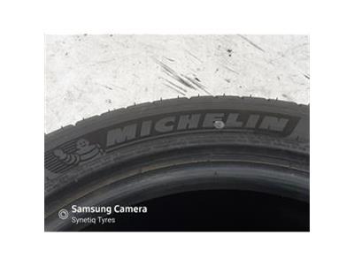 MICHELIN 235/45R18