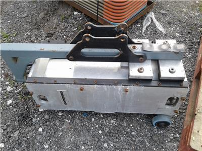 4 X HYDRAULIC JACKS Miscellaneous