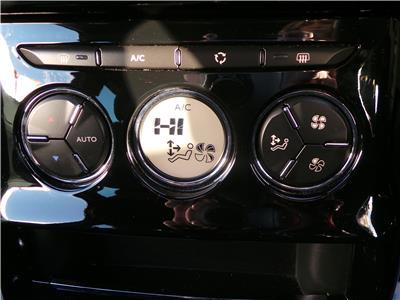 2015 DS DS 3 PURETECH DSTYLE NAV S/S 1199 PETROL MANUAL 5 Speed 3 DOOR HATCHBACK