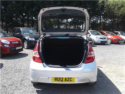 2012 Hyundai i30 Comfort 1582 Diesel Manual 6 Speed 5 Door Hatchback